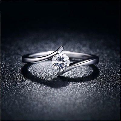 1 ct Moissanite Engagement ring in 925 sterling silver