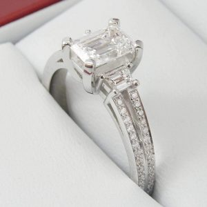 3 ct emerald moissanite engagement ring