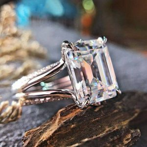 4 Ct Emerald Cut Moissanite Ring