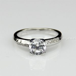 1 ct Moissanite Ring in 925 sterling silver