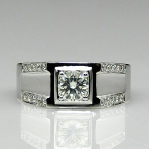 solitaire ring with accent